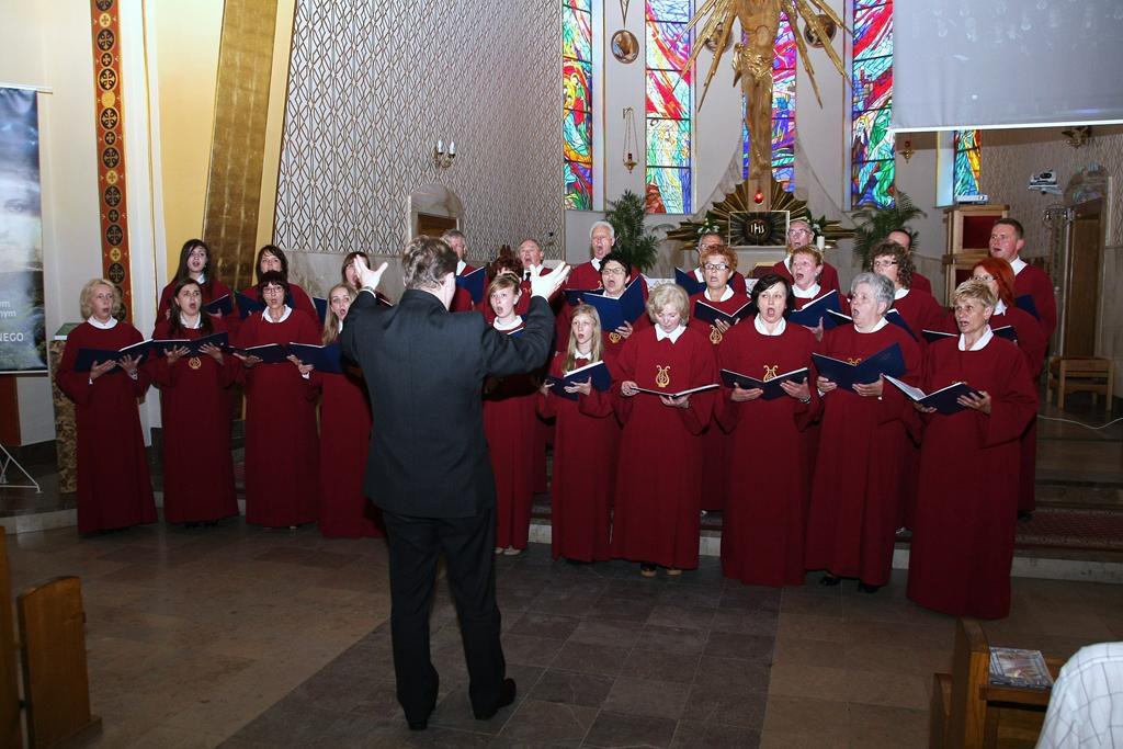 Parafia Najświętszej Maryi Panny Saletyńskiej w Ostrowcu Świętokrzyskim na Piaskach 2