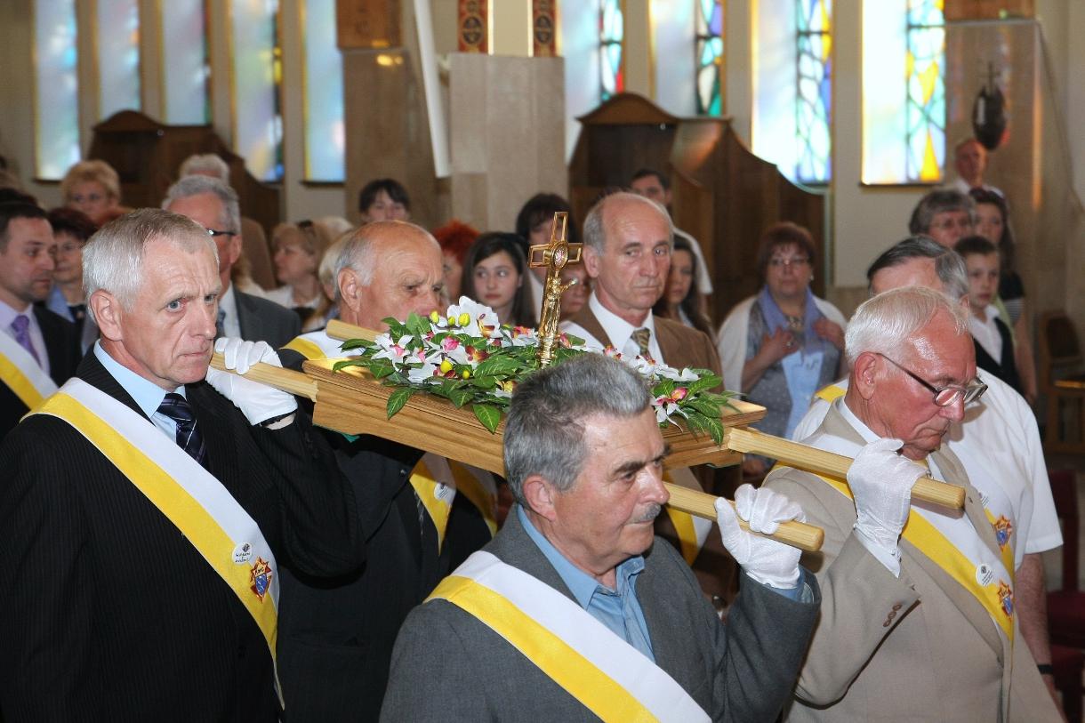 Parafia Najświętszej Maryi Panny Saletyńskiej w Ostrowcu