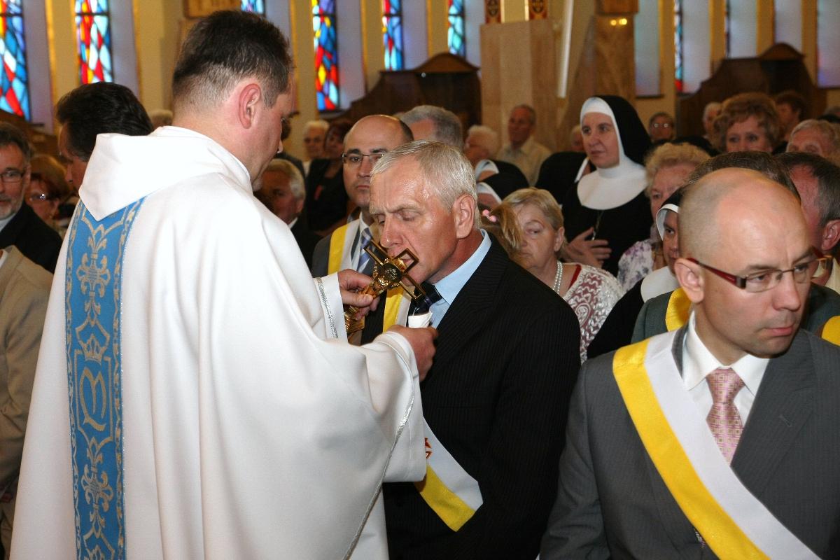 Parafia Najświętszej Maryi Panny Saletyńskiej w Ostrowcu 5