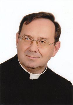 kapłani Parafii Najświętszej Maryi Panny Saletyńskiej w Ostrowcu Świętokrzyskim na Piaskach